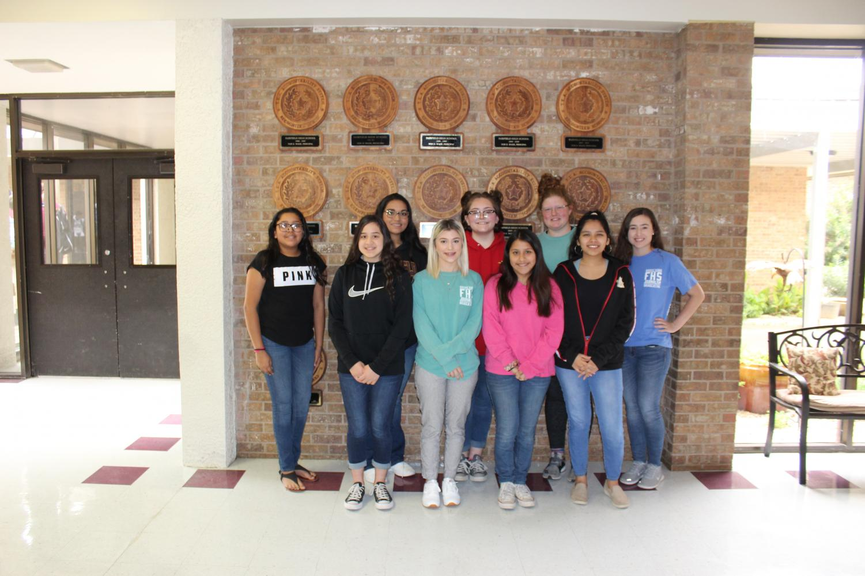 The+following+students+were+awarded+ILPC+awards+in+Student+Broadcast+Journalism.+%0ALeft+to+Right%3A%0AAndrea+Diaz%2C+Elida+Espinoza%2C+Jordan+Maciel%2C+Chloe+Bonner%2C+Tedi+Rene+Blassingame%2C+Valeria+Ramirez%2C+Rachel+Lewis%2C+Alyson+Sanchez%2C+Ally+Robinson.