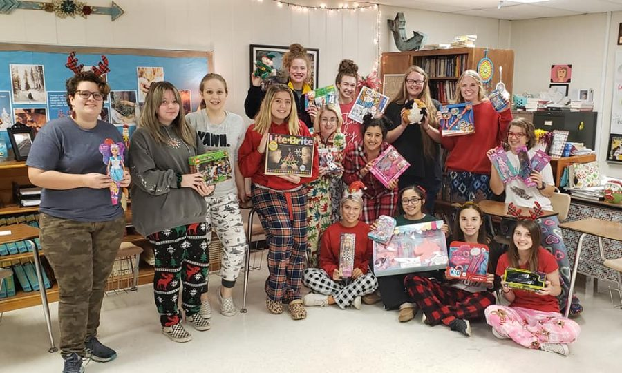 Newspaper%2C+yearbook%2C+and+journalism+classes+collected+22+toys+for+Blue+Santa.+Photo+contributed+by+Kathie+Maciel.
