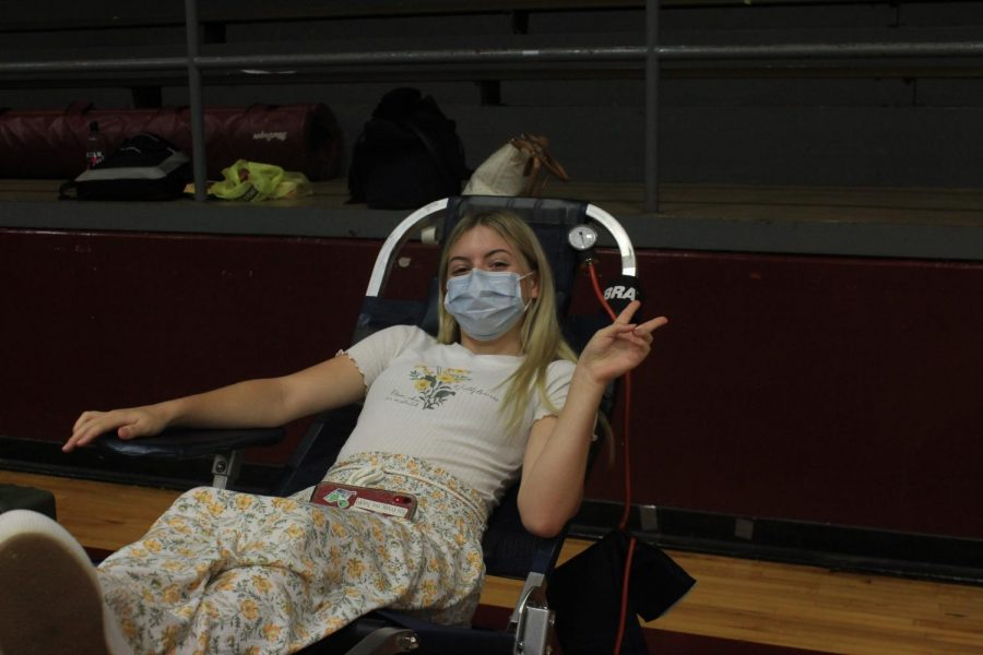 Students Give Blood
